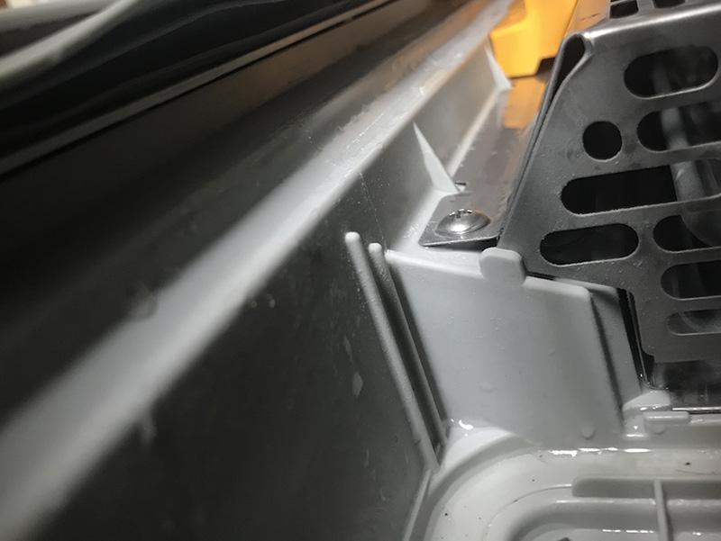 パナソニック NP-TR8 食洗機のドア裏